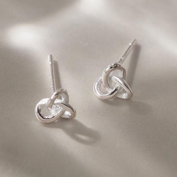 |純銀|幸運結.銀針耳環