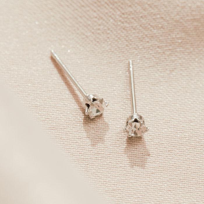 小鑽點.鋼針耳環
